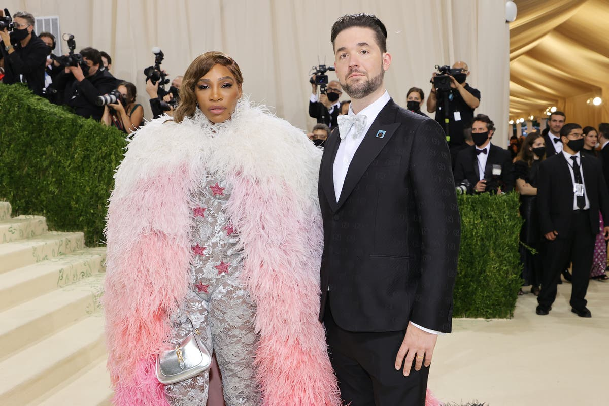 Alexis Ohanian wears $280,000 NFT he purchased for Serena Williams to 2021 met Gala
