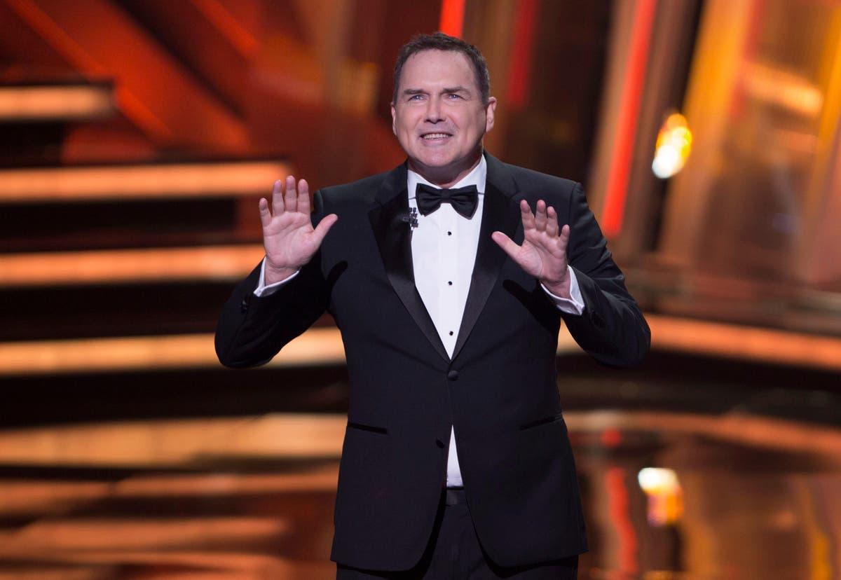 O'Brien, Carrey, Dole praise 'comedy genius' Norm Macdonald