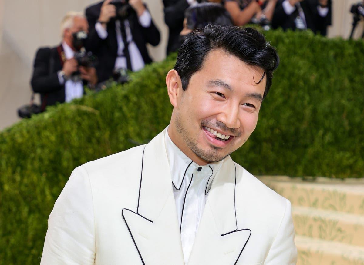 Simu Liu explains Met Gala look: 'Golden Age of Hollywood excluded people like me'