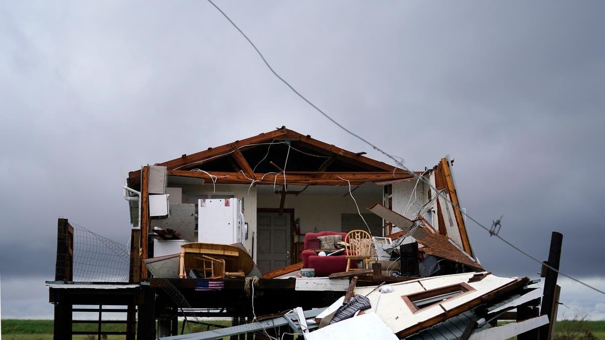 Die orkaan het Louisiana -stutte vir Nicholas deurdrenk getref