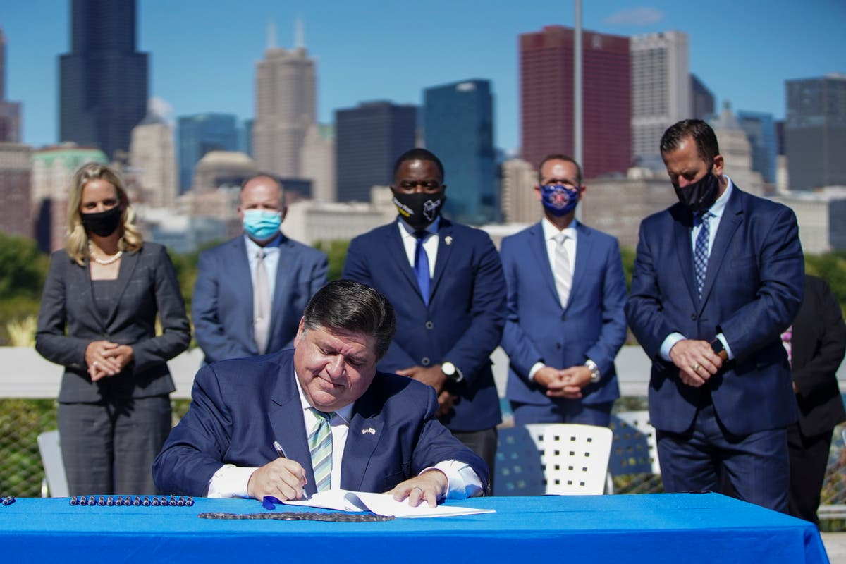 Pritzker: Illinois a 'force for good' by cutting carbon gas