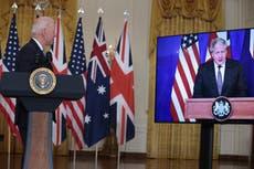 バイデンとジョンソンは中国を抑制するために核AUKUS同盟を発表します—ライブに従ってください
