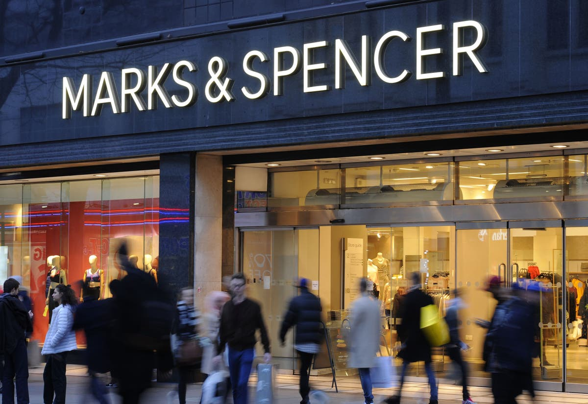Marks & Spencer blames Brexit supply woes for French store closures