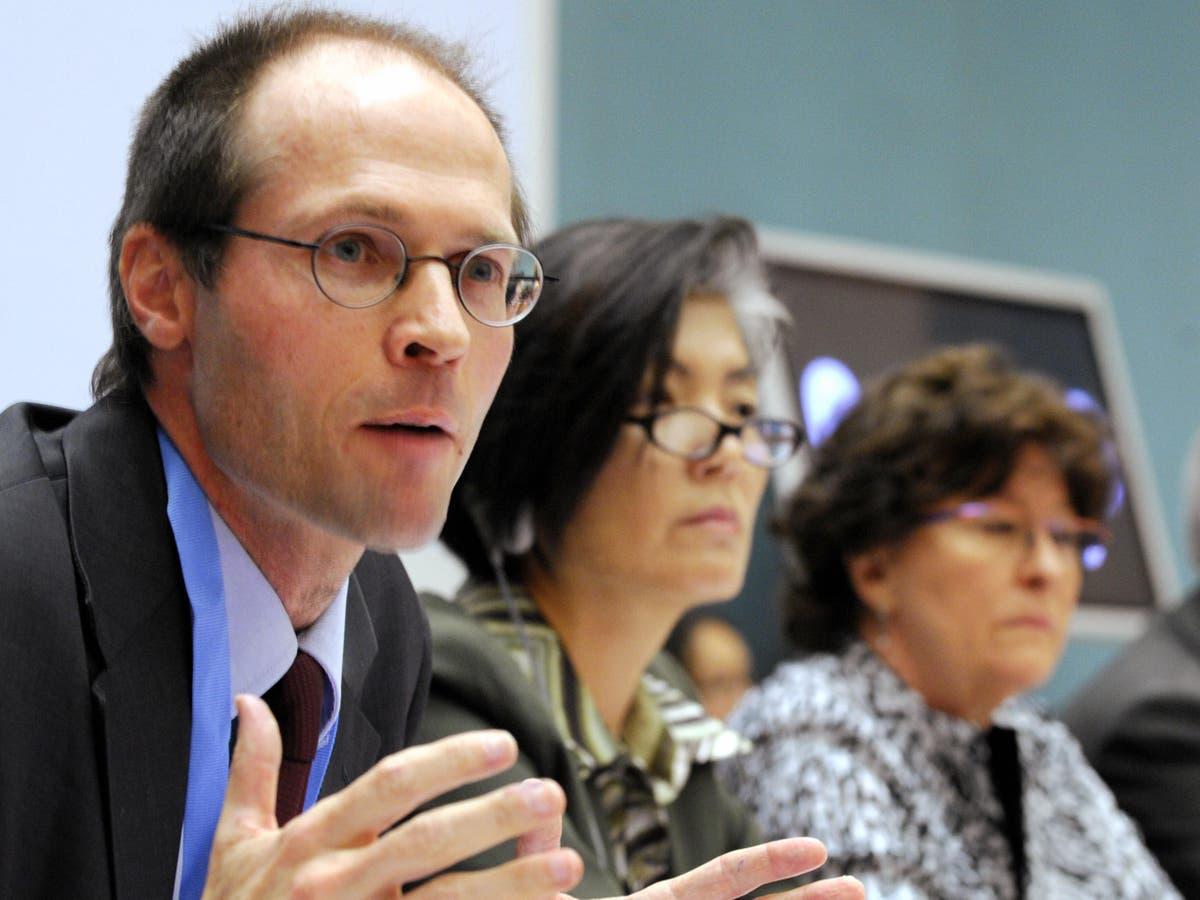 'Unconscionable' universal credit cut breaks human rights law, says UN envoy