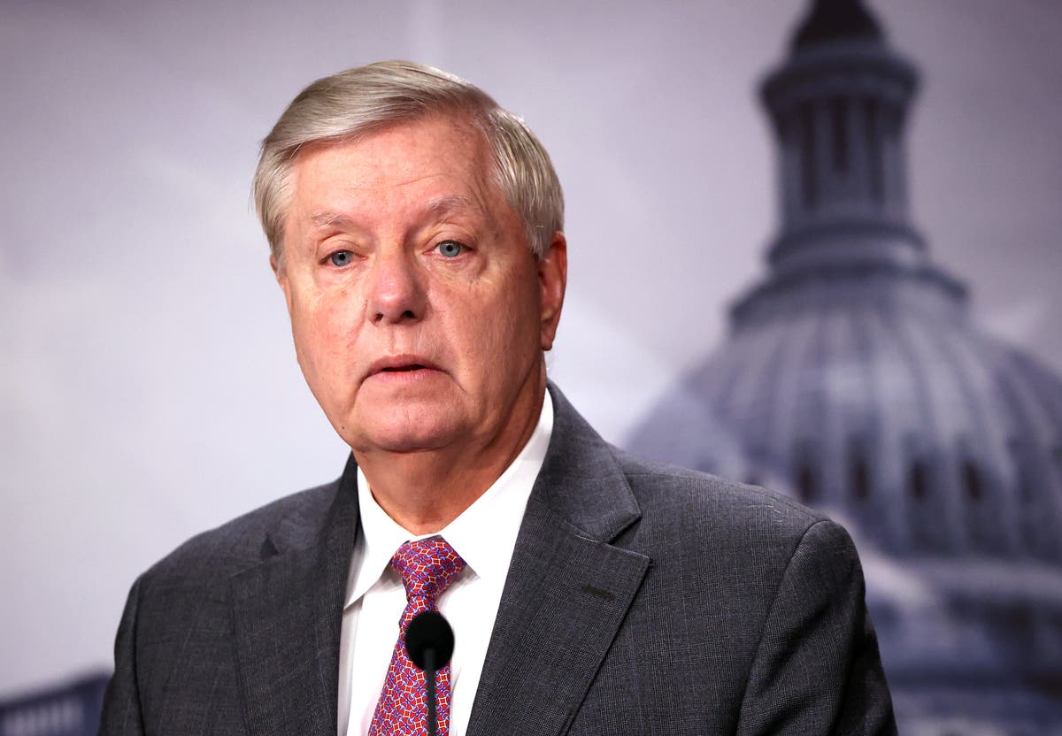 Stephanie Grisham dubs Lindsey Graham 'Senator Freeloader'