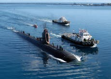 """""""Un couteau dans le dos"""": La France annule un gala en colère contre l'accord sur les sous-marins américano-australiens"""