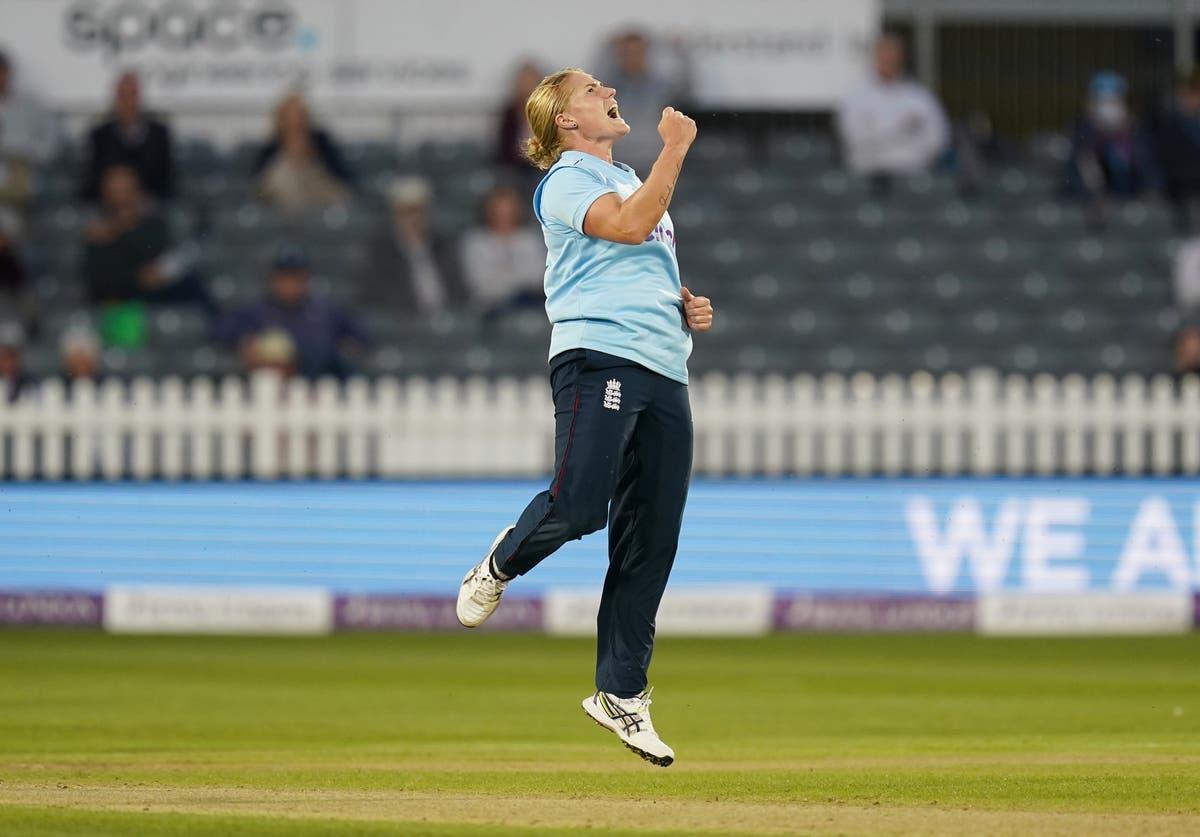 Katherine Brunt hails impact of England captain Heather Knight
