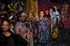 Semaine de la mode de Londres: À quoi s'attendre alors que les défilés en direct reviennent