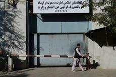 O Talibã renomeou o ministério da mulher como escritório da polícia moral do grupo