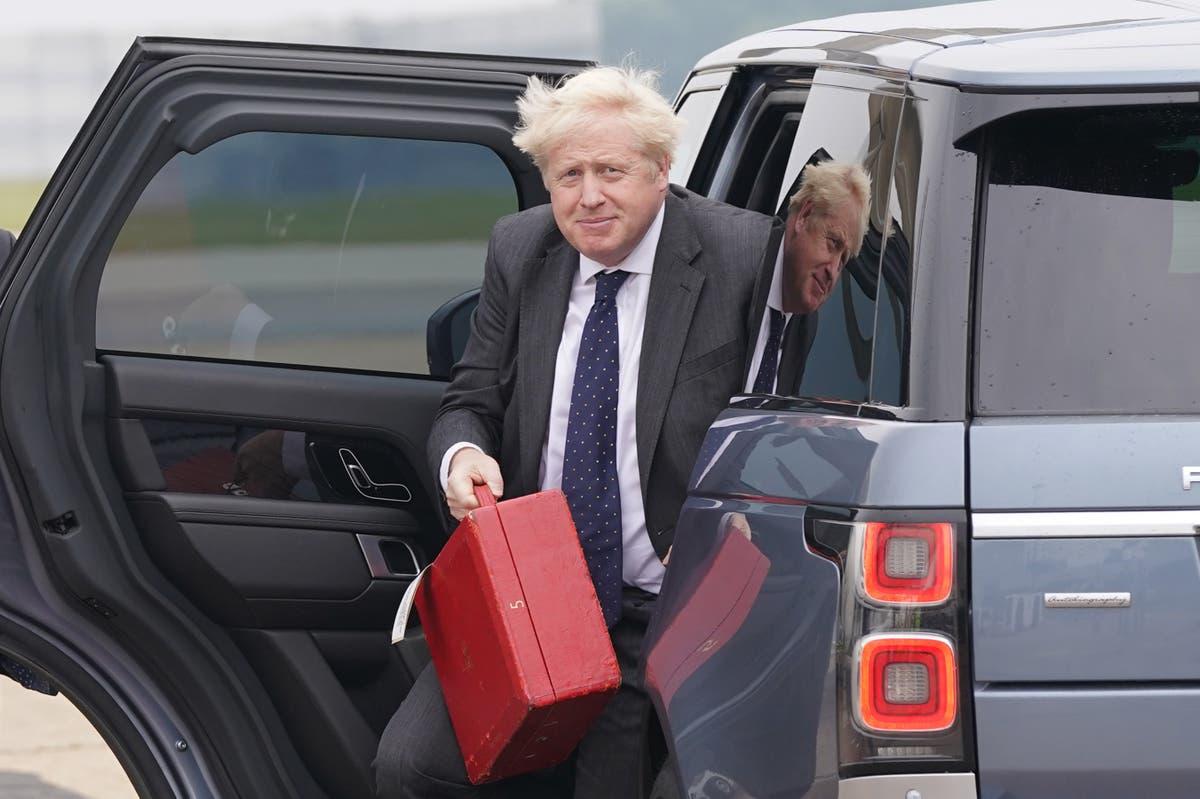 Løs en ødelagt Brexit -avtale for å redde jobber, tverrpolitisk kommisjon forteller Boris Johnson