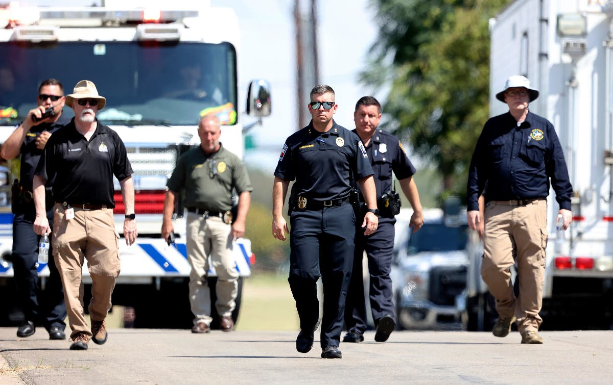 Military training jet crashes in Texas, injuring both pilots