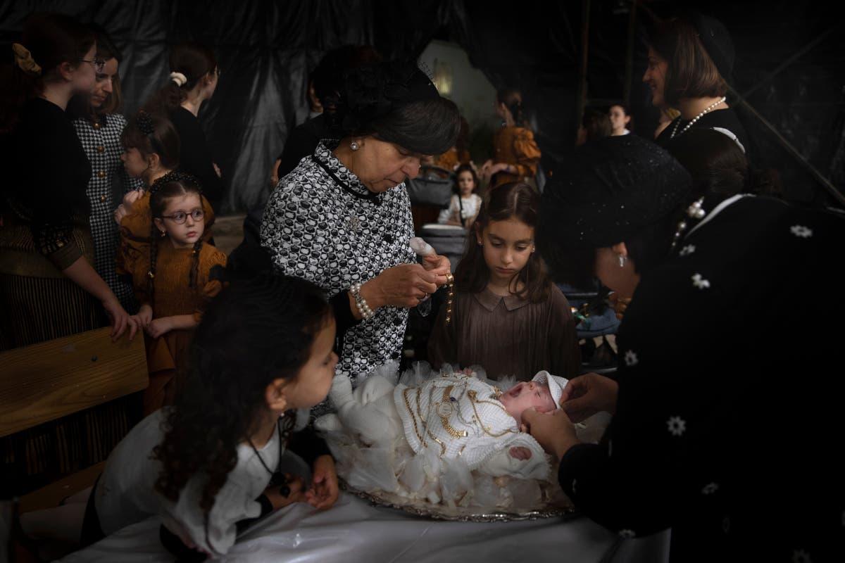 Photos de l'AP: Jews redeem firstborn son in ancient ceremony