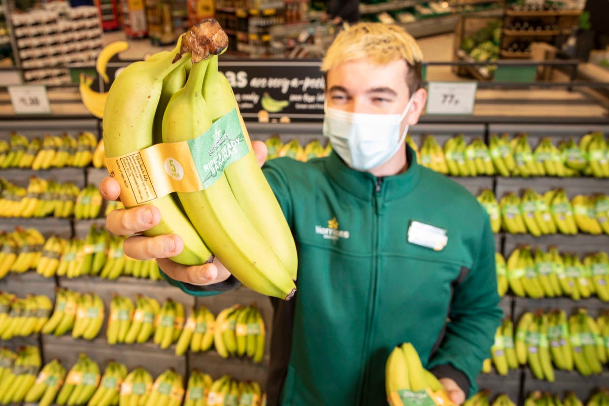 Morrisons to ban plastic packaging on all bananas
