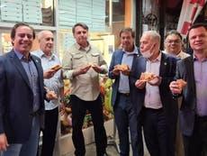 Unvaxxed Bolsonaro forced to eat pizza on New York sidewalk amid covid restaurant vaccination rules