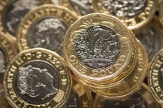 Regjeringen oppfordret til å revurdere universell kredittkutt etter hvert som energiprisene stiger
