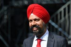 Le député sikh Tan décrit les abus racistes auxquels il est confronté pour avoir porté un turban