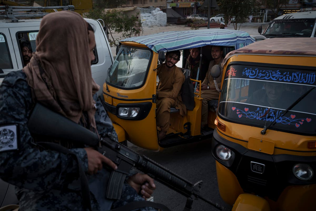 IS bomb attacks on Taliban raise specter of wider conflict