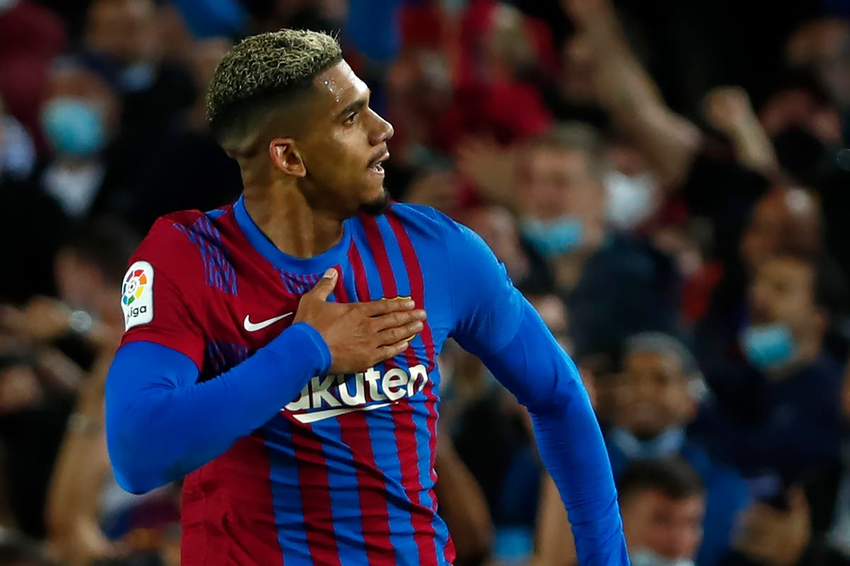 Ronald Araujo secures last-gasp draw for Barcelona at home to Granada