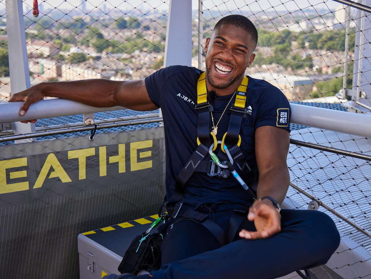 Anthony Joshua 'solid as a rock' at new lighter weight