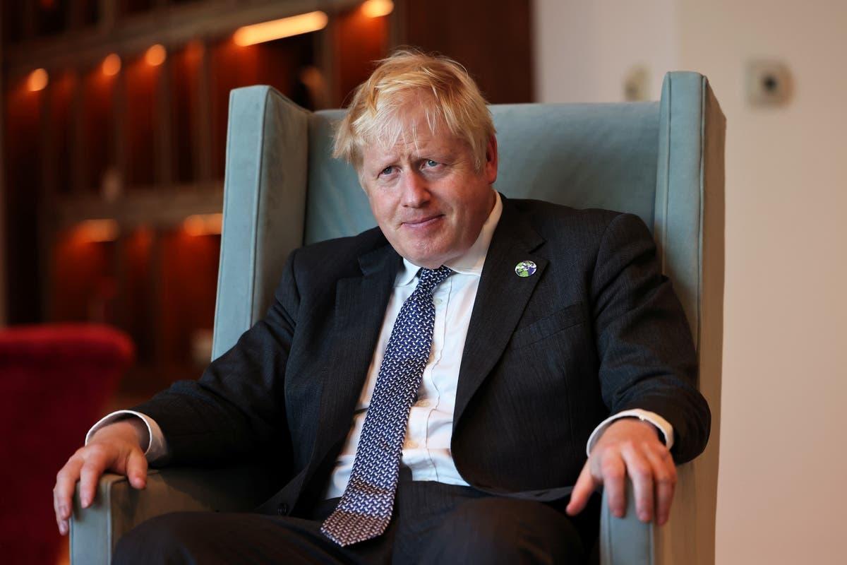 'Julen er i gang': Boris Johnson benekter at folk vil slite i vinter