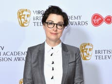 Sue Perkins says opticians initially identified her late father's brain tumour
