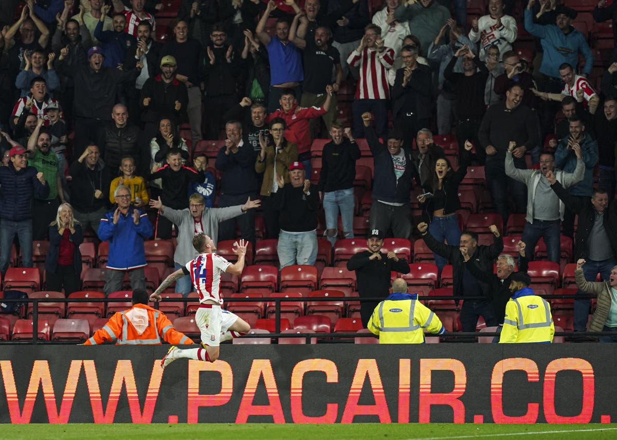 Stoke's late surge sees off Watford in Carabao Cup third round