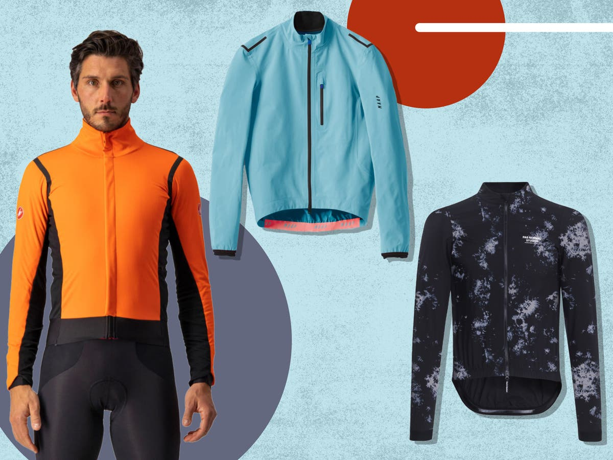 Pedal through even the wintriest of rides with these mens' cycling jacket