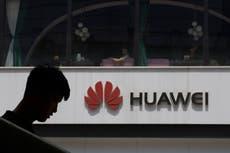 Irmãos norte-americanos proibidos de deixar a China por três anos voltam para casa após acordo com a Huawei