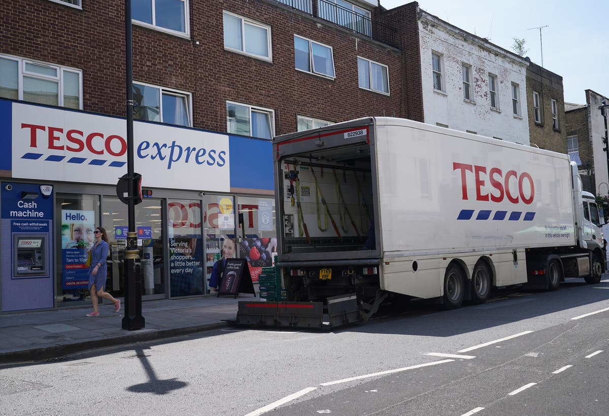 Tesco warns Government of panic buying fears amid driver shortfall