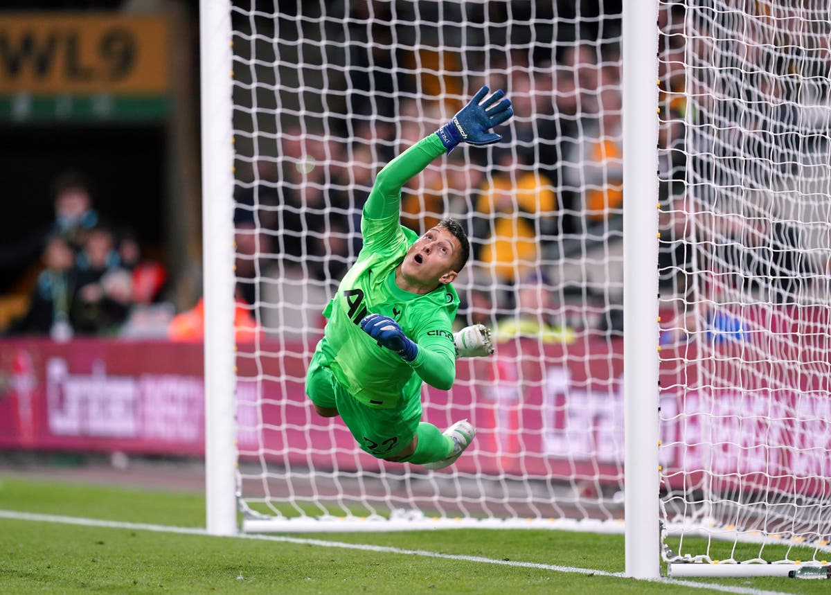Tottenham beat Wolves on penalties after blowing two-goal lead