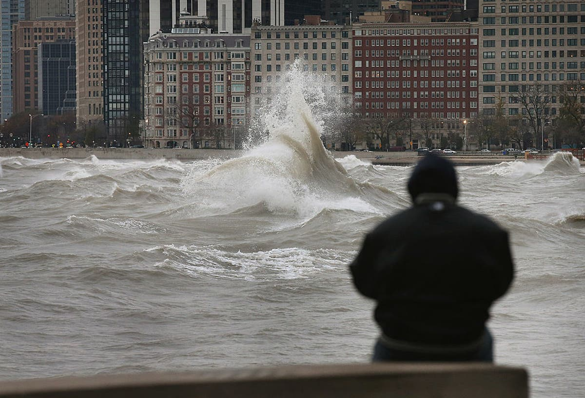 16-foot waves forecast for Lake Michigan near Chicago as extreme storm hits Midwest