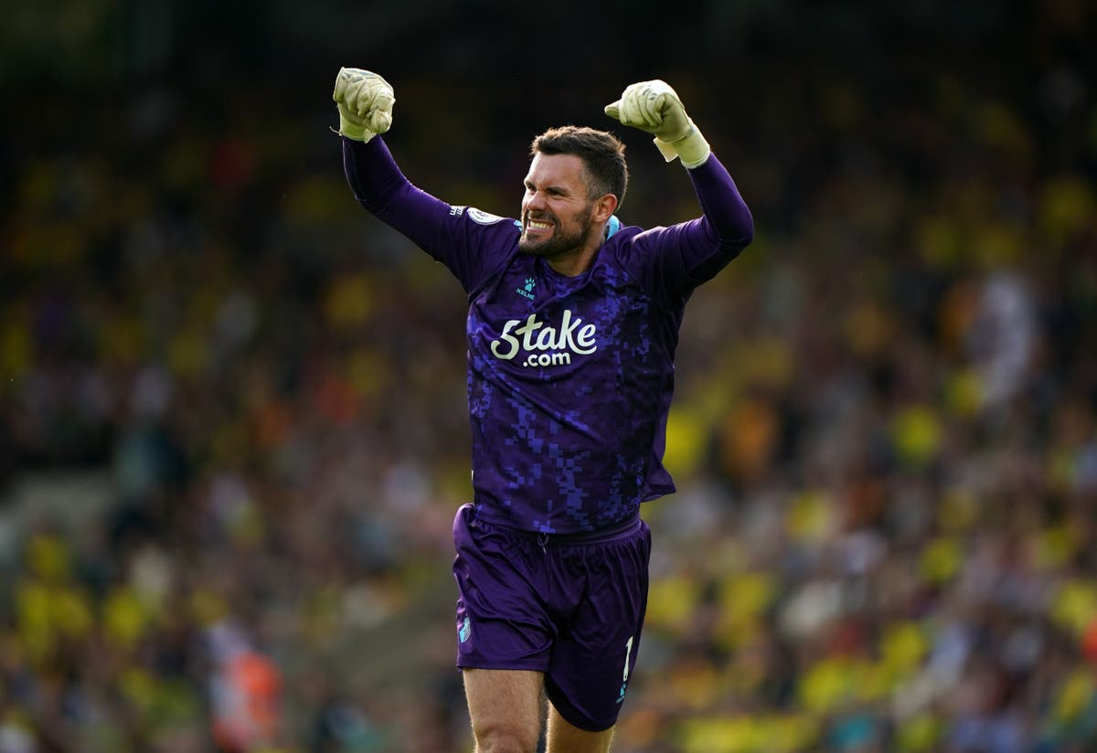Ben Foster praised after the Watford keeper made a winning return to the team