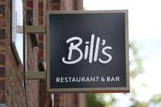 新政府法案で労働者からのチップを差し控えることを禁止されるレストラン