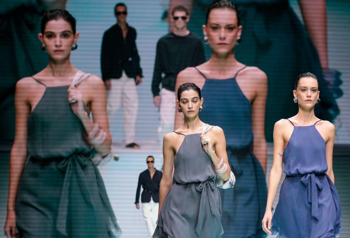 Emporio Armani célèbre 40 ans pendant la Fashion Week de Milan