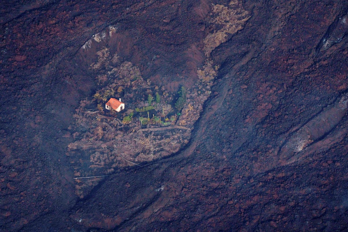 Canary Islands 'miracle house' somehow survives huge lava flow