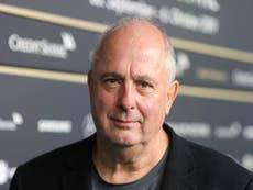 ジュリア・ロバーツが「親切で優しい」ノッティングヒルの監督ロジャー・ミッシェルに敬意を表する