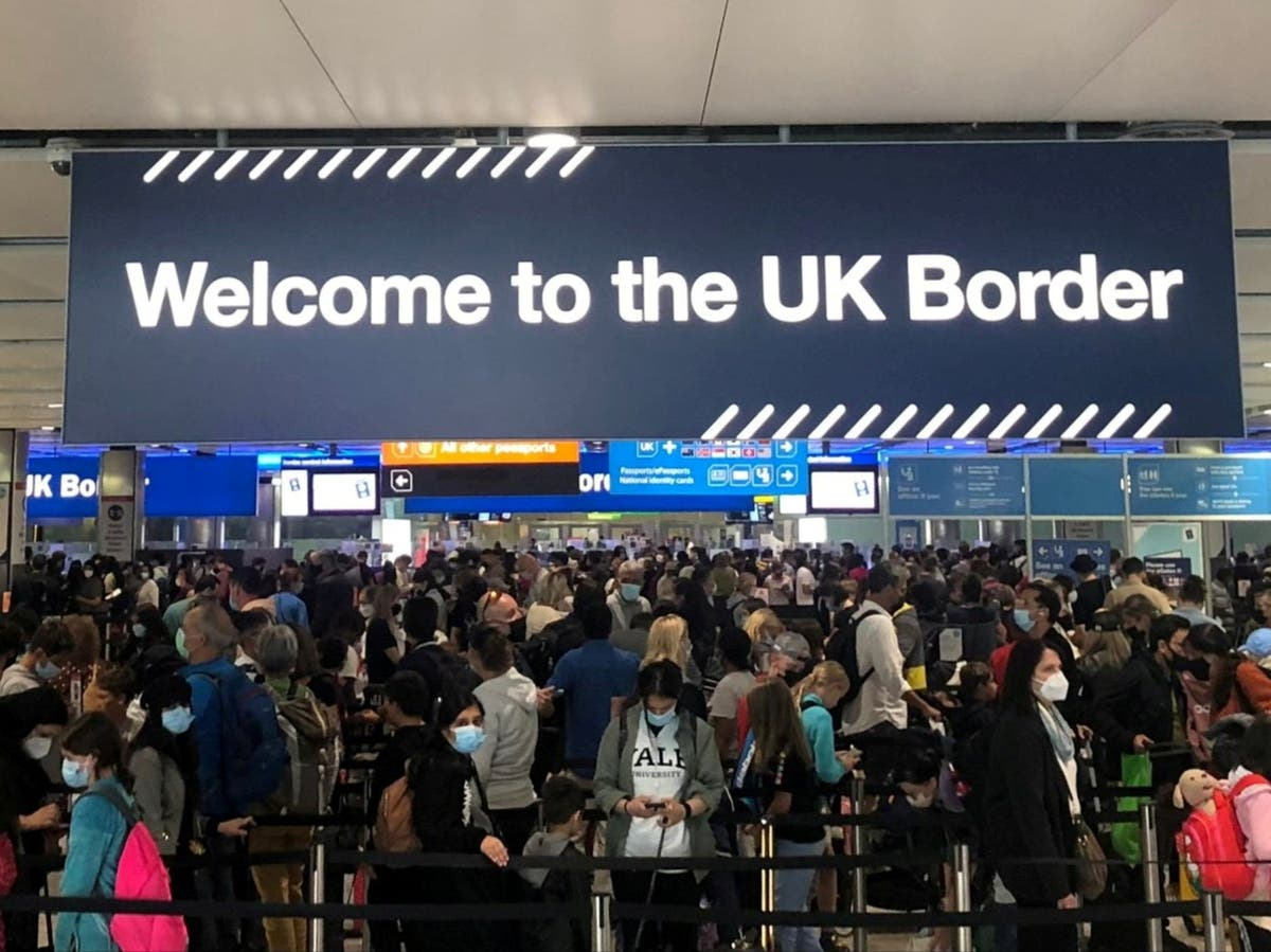 Nationwide Border Force IT glitch causes e-gate airport chaos