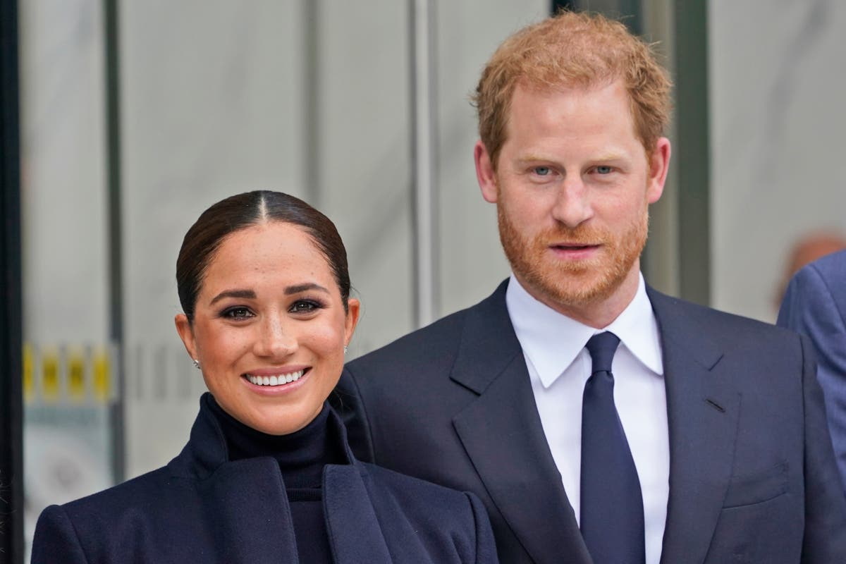 Meghan and Harry meet with students at Harlem school