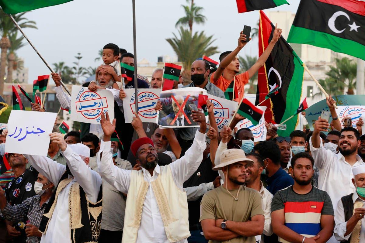 Hundreds protest against no-confidence vote in Libya govt