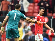 Emi Martinez taunts Cristiano Ronaldo before Bruno Fernandes' missed penalty in Manchester United defeat