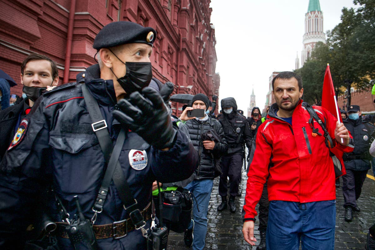 Protesters in Moscow allege online election tampering