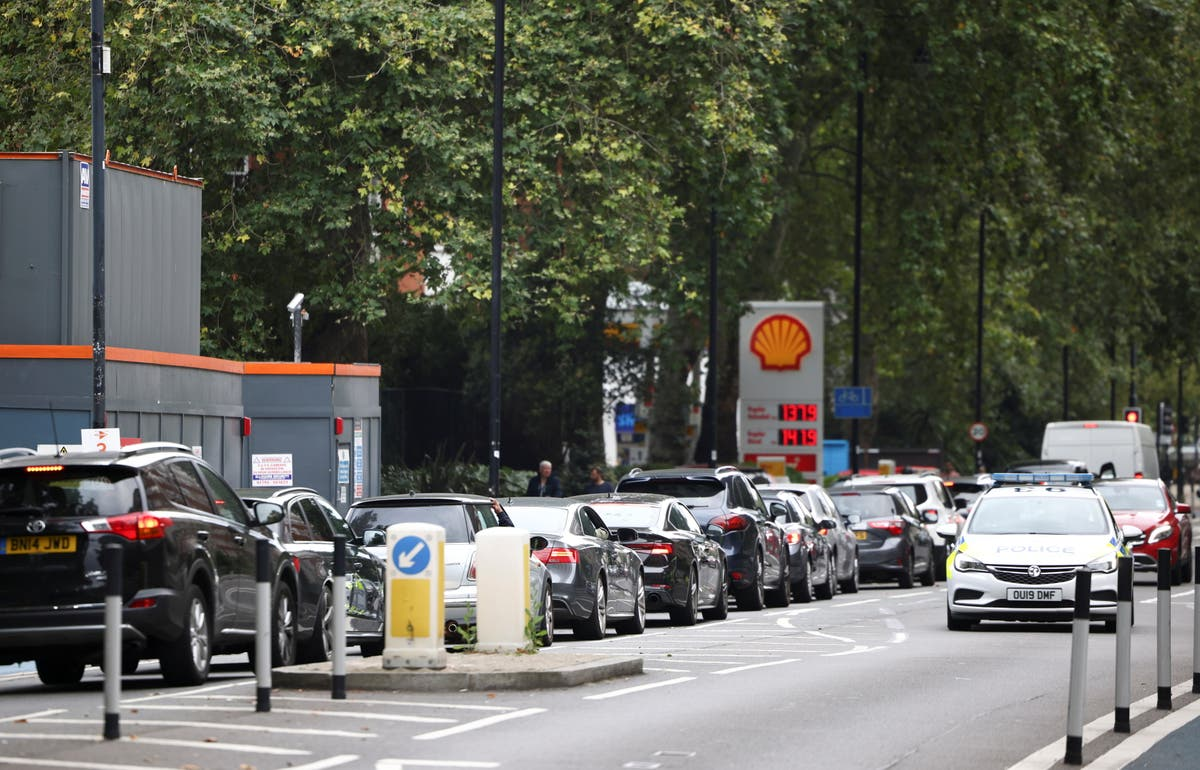 Anger as Grant Shapps claims hauliers have 'created' the fuel shortage crisis