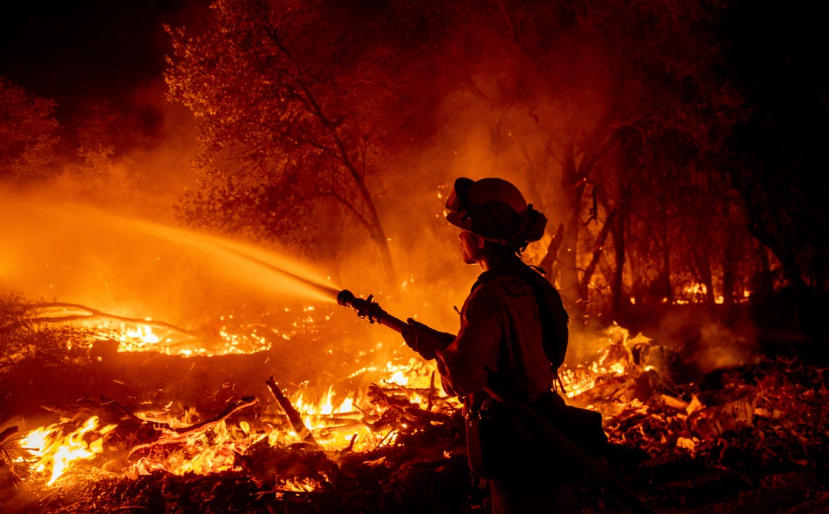 Progress made on California fire that displaced thousands