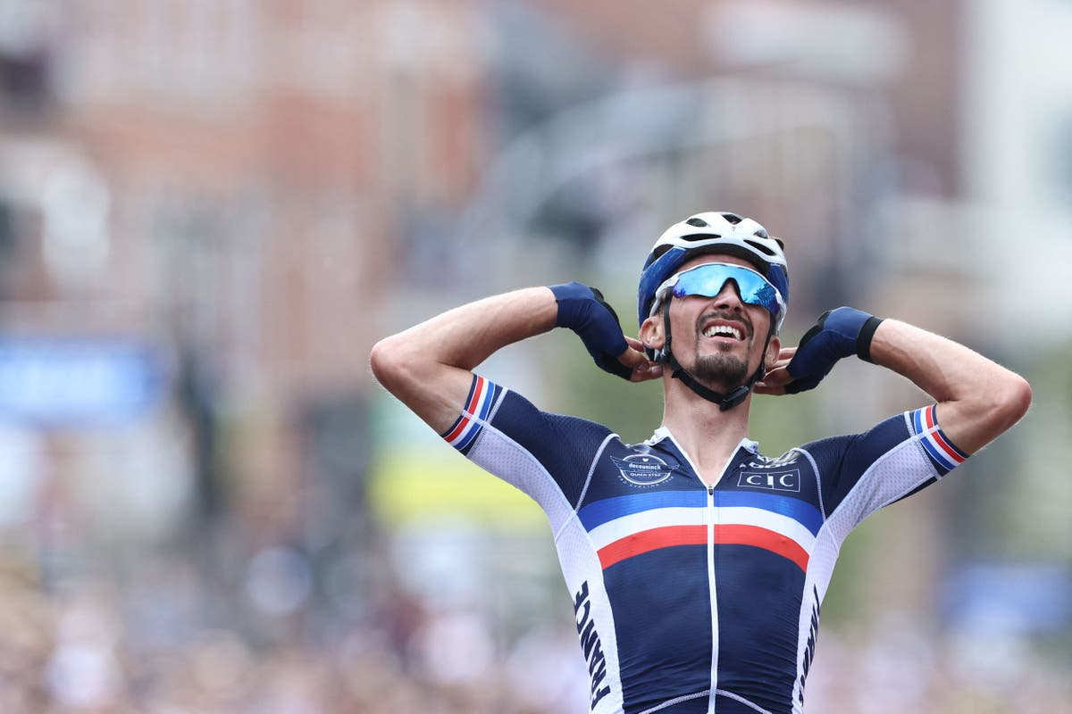 Julian Alaphilippe defends road world title as Britain's Tom Pidcock finishes sixth