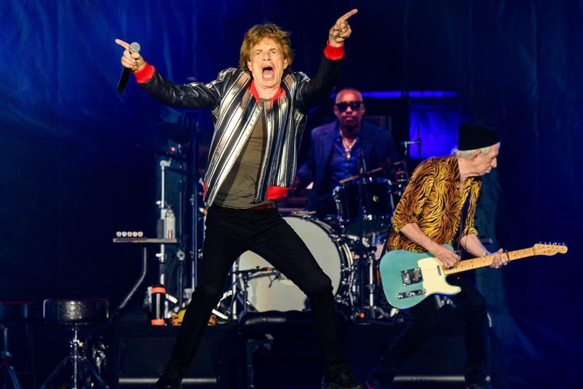 Rolling Stones open Amerikaanse toer, hulde bring aan die tromspeler