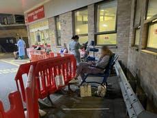 「システムが壊れています」: Sick patients forced to sit for hours outside A&E under blankets and heat lamps