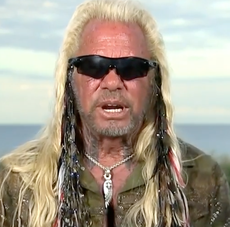 Brian Laundrie's mother calls 911 on Dog the Bounty Hunter as he joins search claiming to have 1,000 线索