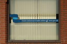 Un nombre record de personnes recherchent une aide en matière de santé mentale et financière avant la réduction du crédit universel