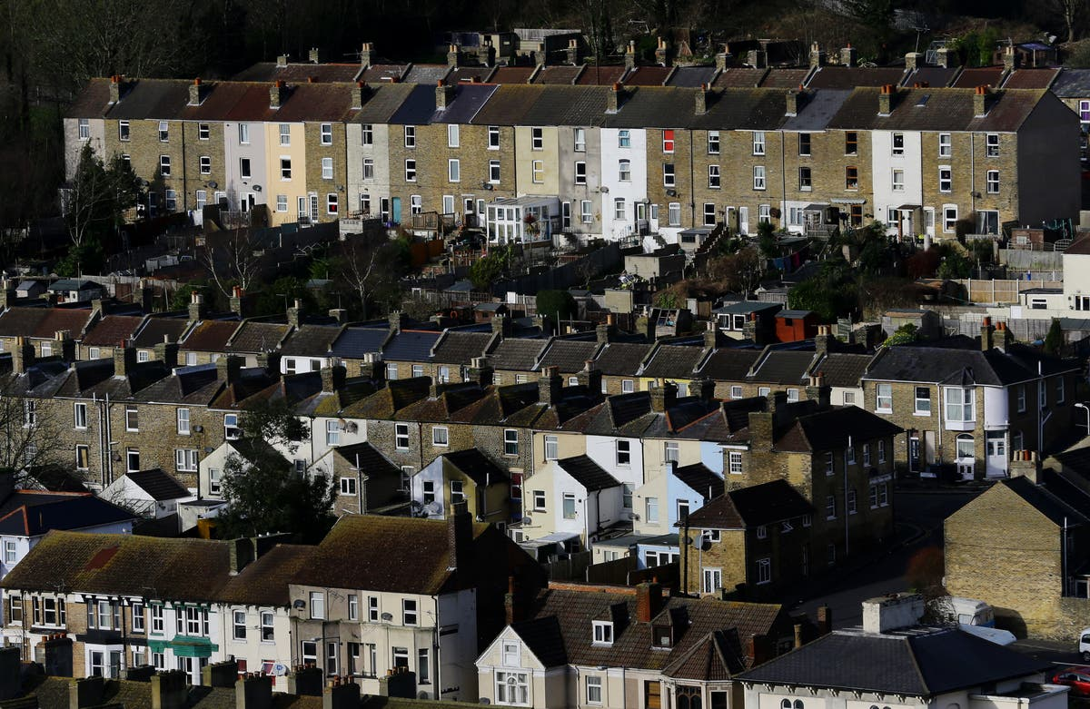 House prices increasing by £44 per day on average, Zoopla index shows