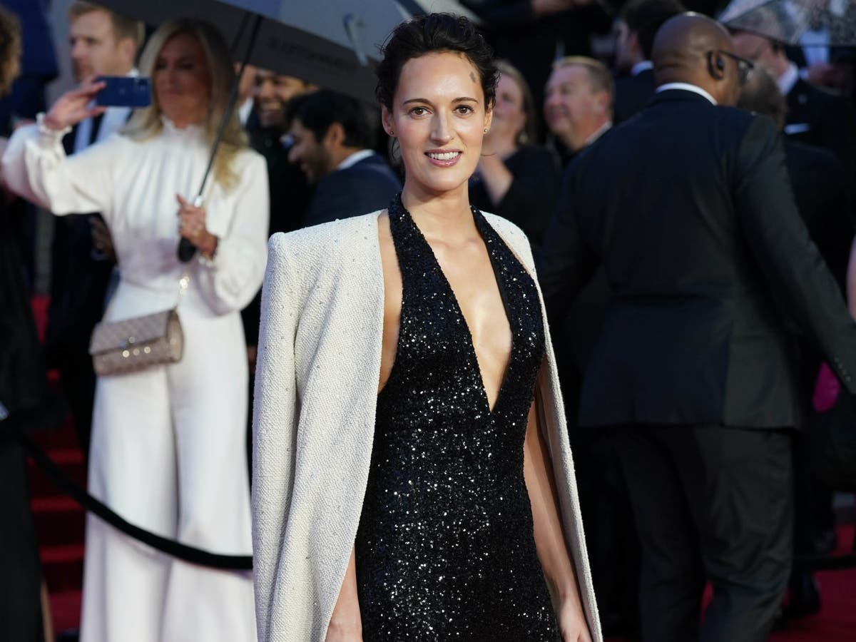 No Time To Die writer Phoebe Waller-Bridge says she's not in favour of a female Bond